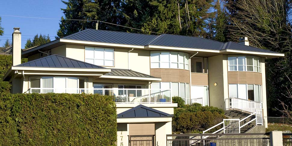 Charcoal Standing Seam Roof North Vancouver